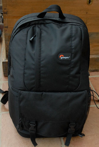 lowepro-fastpack-front