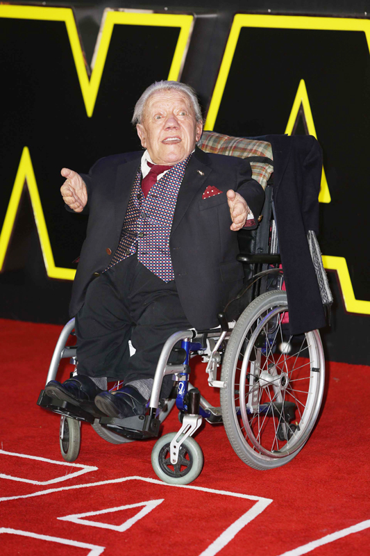 LONDON, ENGLAND - DECEMBER 16: Kenny Baker attends the European Premiere of 'Star Wars: The Force Awakens' at Leicester Square on December 16, 2015 in London, England.  Mandatory Credit  glamourstock.co.uk