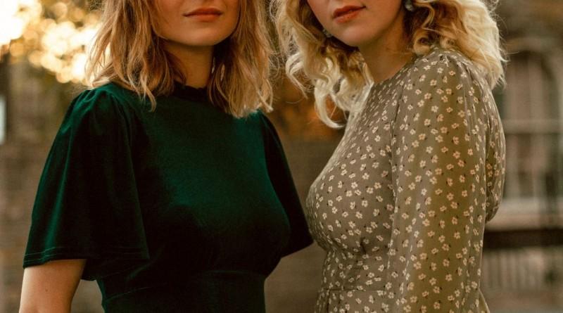 Gabrielle Aplin & Hannah Grace
